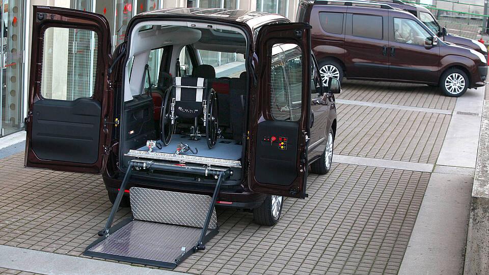 behindertengerechter Ausbau des Fiat Doblo mit Ansicht des Koferraums