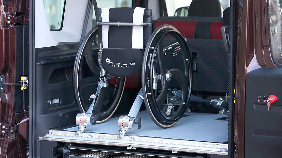 behindertengerechter Ausbau des Fiat Doblo mit Rollstuhl