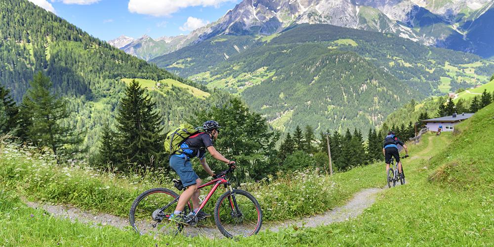 Biker-Touren in den Bergen