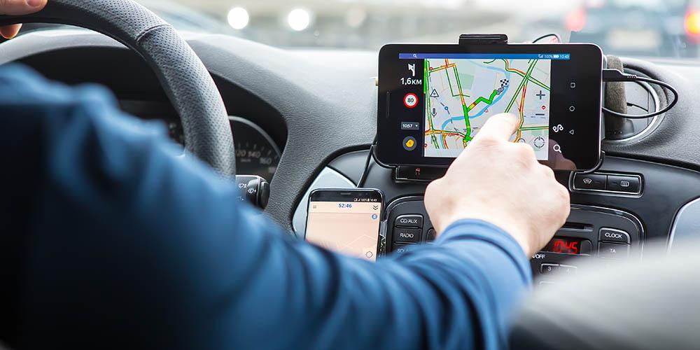 Das Smartphone wird im Auto zum Navigationssystem